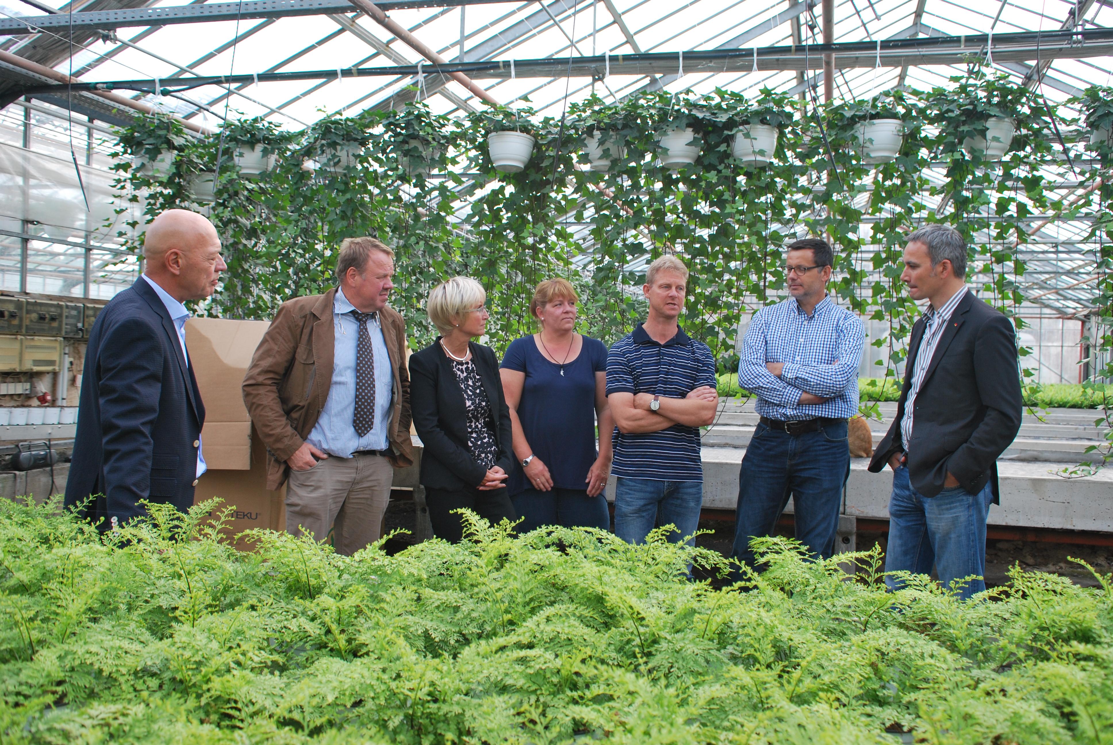 Mit abgeordneten auf tournee gartenbau nrw - Gartenbau borken ...